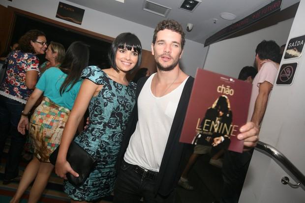 Vanessa Giácomo e Daniel de Oliveira vão a show de Lenine no Rio (Foto: André Muzell/ Ag. News)