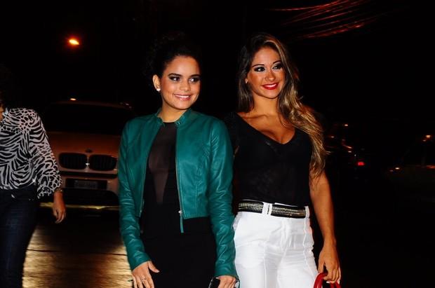 Carol Macedo e Mayra Cardi na festa de encerramento da novela 'Fina Estampa' (Foto: Roberto Teixeira/EGO)
