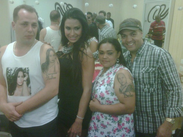 Fãs tatuam foto de Belo e Gracyanne (Foto: Divulgação / Divulgação)