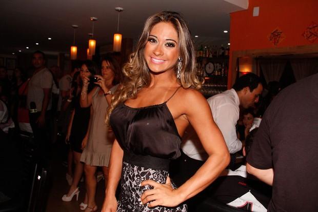 Mayra Cardi em inauguração de restaurante em São Paulo (Foto: Amauri Nehn/ Ag.News)