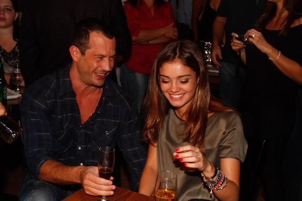 Malvino Salvador e Sohphie Charlotte em inauguração de restaurante em São Paulo (Foto: Amauri Nehn/ Ag.News)