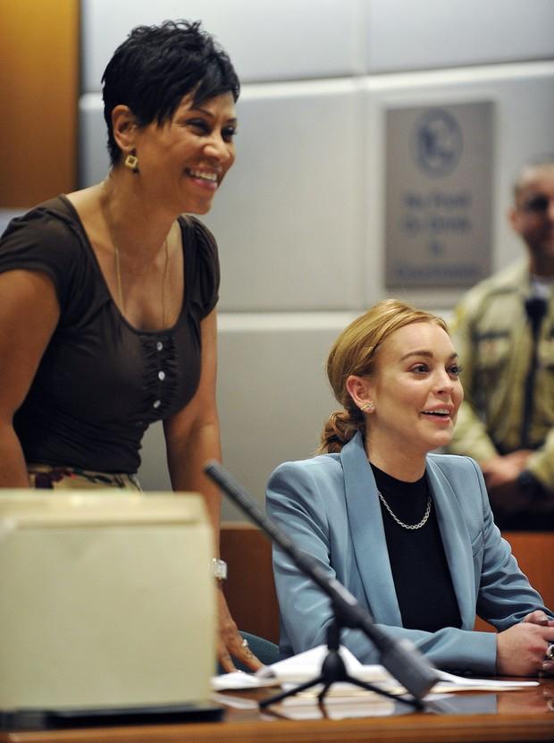 Lindsay Lohan na audiência em que obteve condicional 'informal' (Foto: AFP)