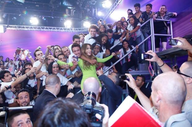 Jennifer Lopez em gravação de programa (Foto: Edu Moraes / Divulgação Record)