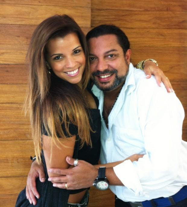 Renata Santos muda visual e clareia o cabelo (Foto: Divulgação)