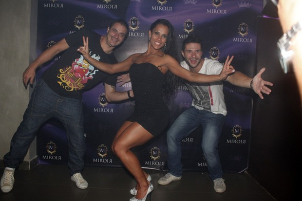 Os ex-BBBs Rafa, Kelly e Ronaldo (Foto: Fábio Martins/Agnews)