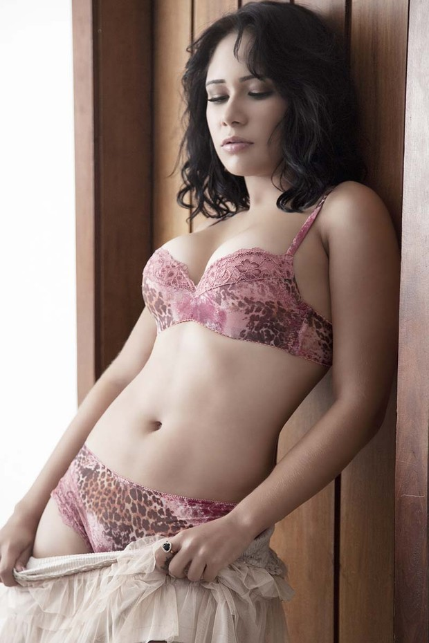 A ex-BBB Jakeline faz ensaio sensual (Foto: Divulgação)