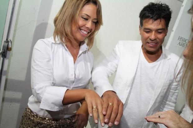Maurício Mattar e noiva no show de Michel Bublé (Foto: Anderson Borde/Ag News)