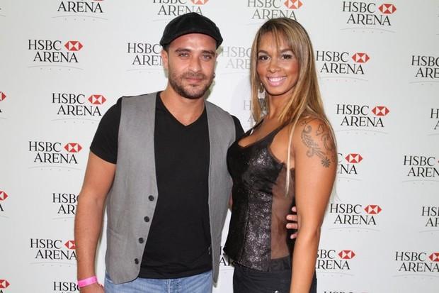Diogo Nogueira e a mulher no show de Michael Bublé (Foto: Anderson Borde/Ag News)