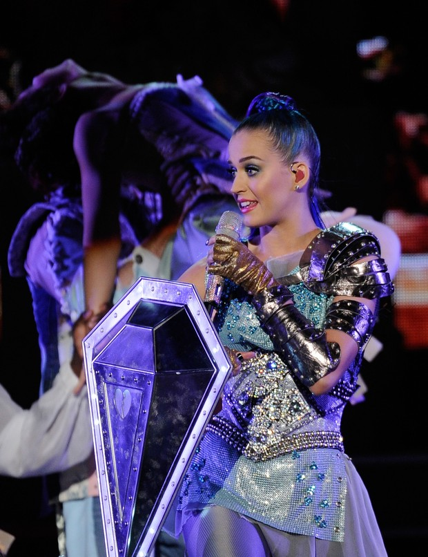 Katy Perry faz show no Kids Choice Awards (Foto: Getty Images)
