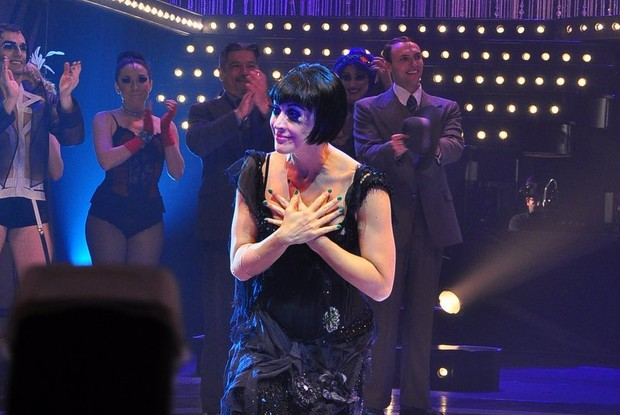 Claudia Raia em estreia da peça 'Cabaret' no Rio (Foto: Roberto Teixeira/ EGO)