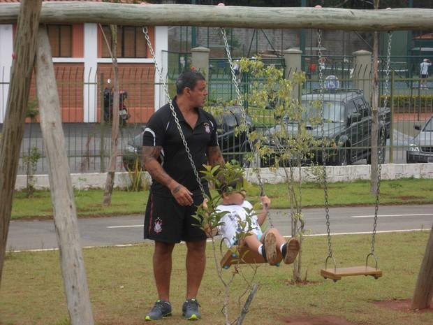 Alexandre Frota e o enteado, Enzo (Foto: Divulgação)