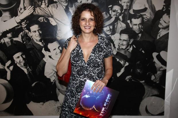 Denise Fraga assiste a peça em São Paulo (Foto: Manuela Scarpa/ Photo Rio News)