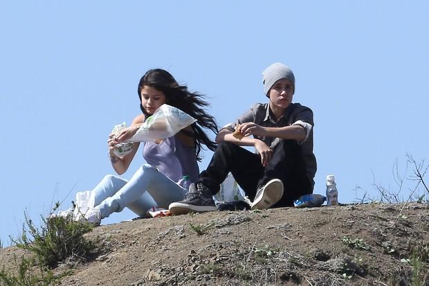 Justin Bieber e Selena Gomez (Foto: Foto: Grosby Group)