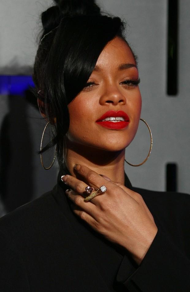 Rihanna na pré-estreia do filme 'Battleship' em Sidney, na Austrália (Foto: Getty Images/ Agência)