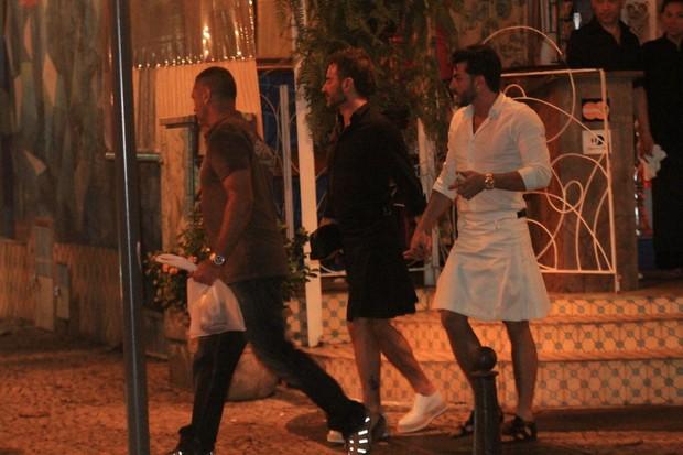 Marc Jacobs com o namorado Harry Louis em Ipanema, Zona Sul do Rio (Foto: Rodrigo dos Anjos / Ag. News)