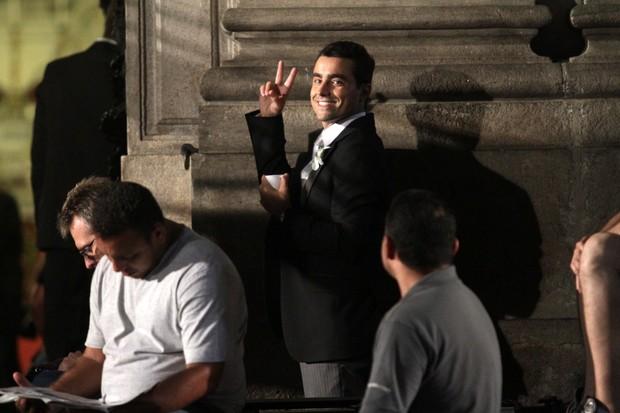 Ricardo Pereira nas gravações de 'Aquele Beijo' no Centro do Rio (Foto: Raphael Mesquita/ Photo Rio News)
