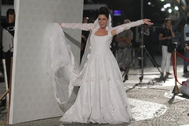 Giovanna Antonelli nas gravações de 'Aquele Beijo' no Centro do Rio (Foto: Raphael Mesquita/ Photo Rio News)