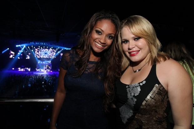Ex-BBBs Jaqueline e Paulinha em show no Rio (Foto: Anderson Borde/ Ag. News)