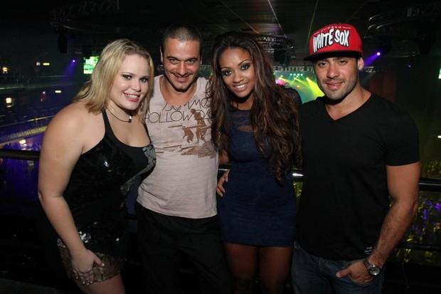 Ex-BBBs Paulinha, Rafa, Jaqueline e Yuri em show no Rio (Foto: Anderson Borde/ Ag. News)