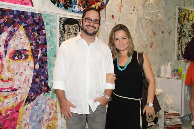 Tatyane Goulart e Caio Veronese em exposição no Rio (Foto: Roberto Filho/ Ag.News)