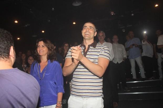 Reynaldo Gianecchini assiste à peça de Jorge Fernando (Foto: Ag News/ Rodrigo dos Anjos)