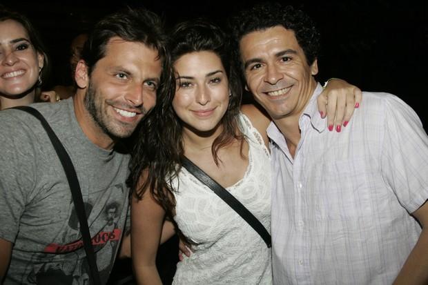 Henri Castelli, Fernanda Paes Leme e um amigo (Foto: Divulgação)