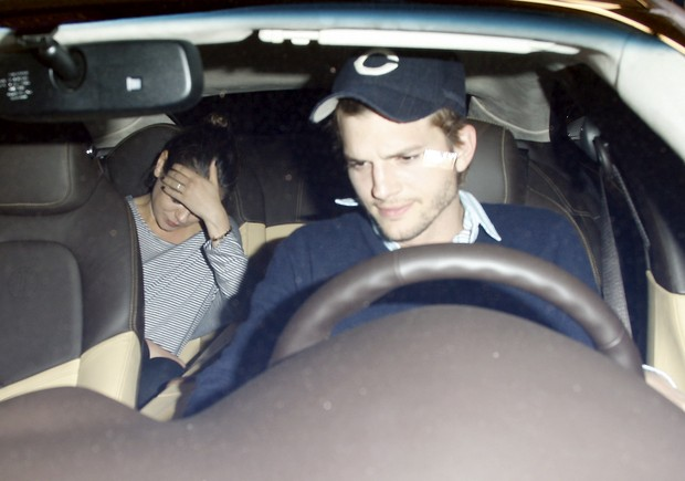 Ashton Kutcher e Mila Kunis - X17 (Foto: X17 / Agência)