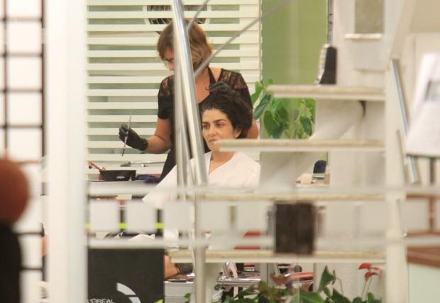Letícia Sabatella tem dia de beleza no Rio (Foto: Rodrigo dos Anjos / Ag. News)