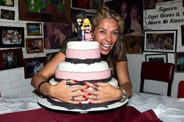 Adriane Galisteu comemora aniversário em São Paulo (Foto: Manuela Scarpa/ Photo Rio News)