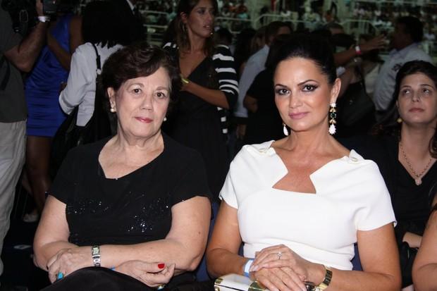 Luiza Brunet no show de Roberto Carlos (Foto: Alex Palarea / AgNews)