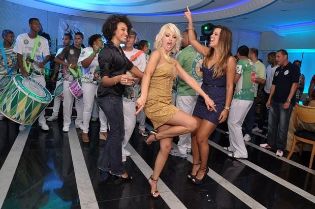 Sheron Menezzes, Antônia Fontenelle e Renata Santos em festa no Rio (Foto: Roberto Teixeira/ EGO)