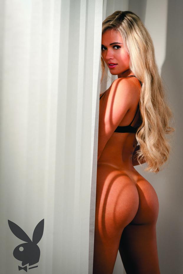 Sem Calcinha Aryane Steinkopf Provoca No Ensaio Da Playboy