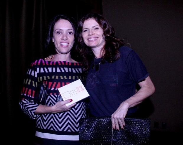 Bel Kutner com Debora Bloch em teatro no Rio (Foto: Onofre Veras/ Ag. News)