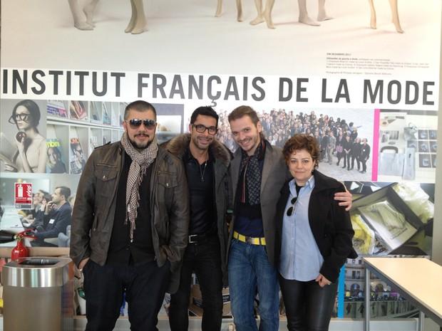 Os cabeleireiros Ton Reis, Fernando Torquatto, Tiago Parente e Branca di Lorenzzo em Paris, na França (Foto: Divulgação)