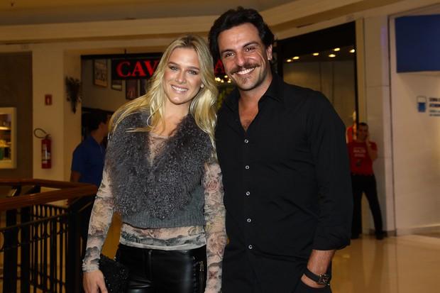 Fiorella Mattheis e Rodrigo Lombardi em evento em São Paulo (Foto: Manuela Scarpa / Photo Rio News)
