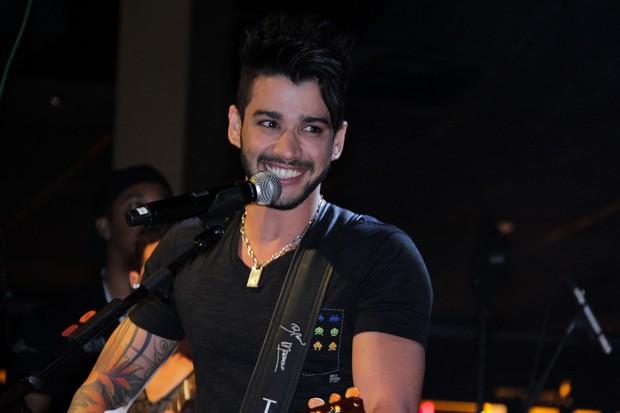Gusttavo Lima canta com a dupla Bruno e Marrone em São Paulo (Foto: Milene Cardoso/ Ag. News)