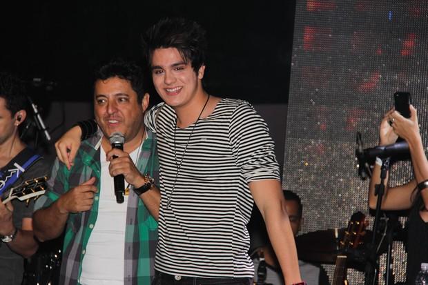 Luan Santana canta com a dupla Bruno e Marrone em São Paulo (Foto: Milene Cardoso/ Ag. News)