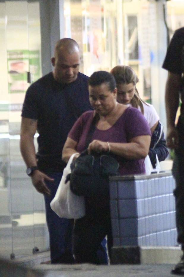 Sasha faz compras em shopping da Barra (Foto: Marcos Ferreira / Photo Rio News)