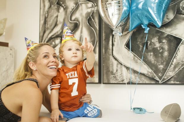 Danielle Winits comemora o aniversário do filho Guy (Foto: Andréa Rêgo Barros / Cortesia)