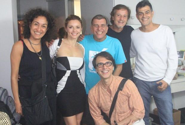 Rita Guedes, Jorge Fernando, Marcello Novaes, Eduardo Moscovis e amigos após sessão da peça 'Salve Jorge' no Rio. (Foto: Rodrigo dos Anjos / Ag. News)