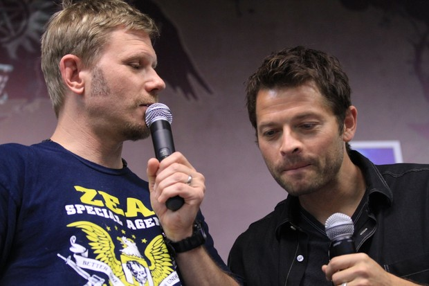 Mark Pellegrino e Misha Collins, de Supernatural (Foto: Raphael Mesquita/Photorio News)