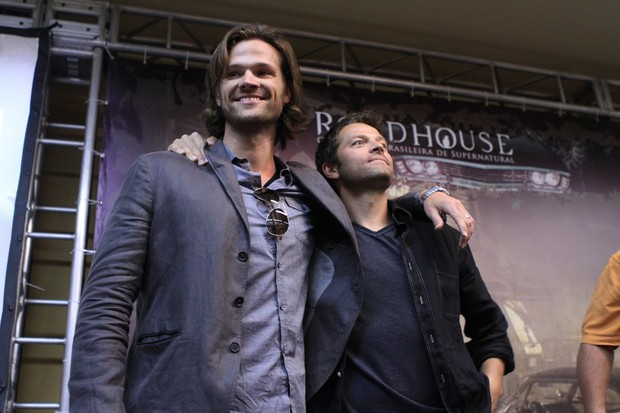 Jared Padalecki na entrevista de Supernatural (Foto: Photo Rio News/ Raphael Mesquita)