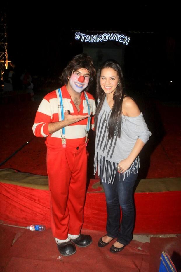 Bruna Marquezine no circo (Foto: Delson Silva/Ag News)