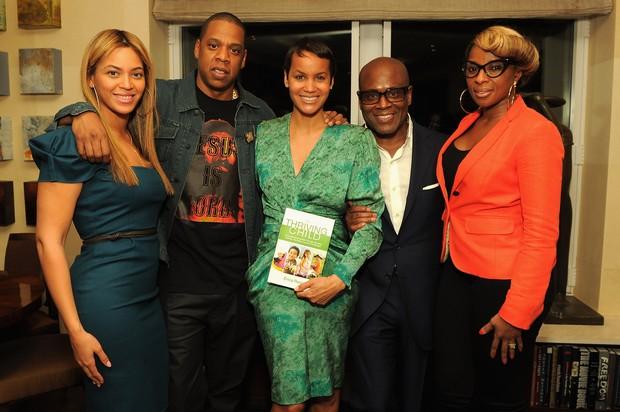 Beyoncé, Jay-Z, Erica Reid, Antonio 'L.A.' Reid e Mary J. Blige em lançamento de livro em Nova York, nos EUA (Foto: Getty Images/ Agência)