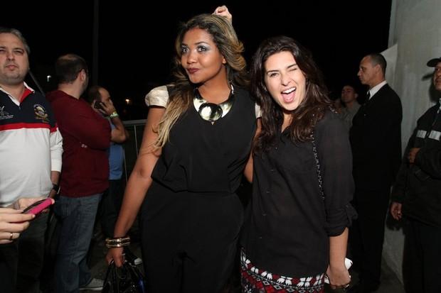 Gaby Amarantos e Fernanda Paes Leme em show no Rio (Foto: Anderson Borde/ Ag. News)