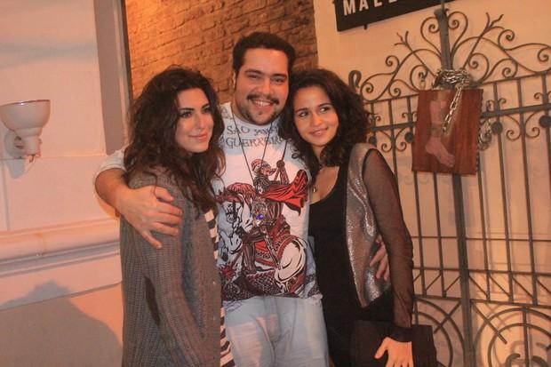Fernanda Paes Leme, Tiago Abravanel e Nanda Costa em show no Rio (Foto: Rodrigo dos Anjos / Ag. News)