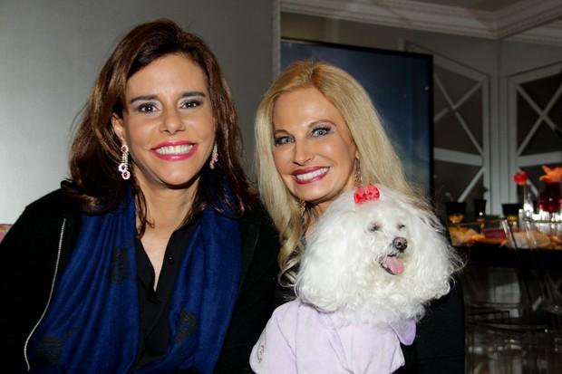 Brunete Fraccaroli recebe Narcisa Tamborindeguy em sua casa em São Paulo (Foto: Milene Cardoso/ Ag. News)