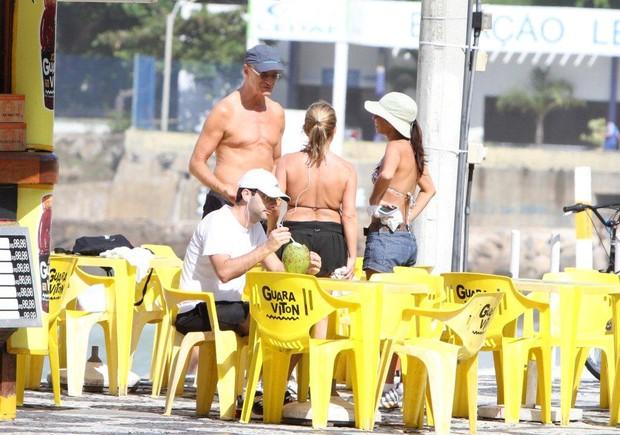 Marcos Caruso e Ana Lima no Rio (Foto: André freitas/Agnews)