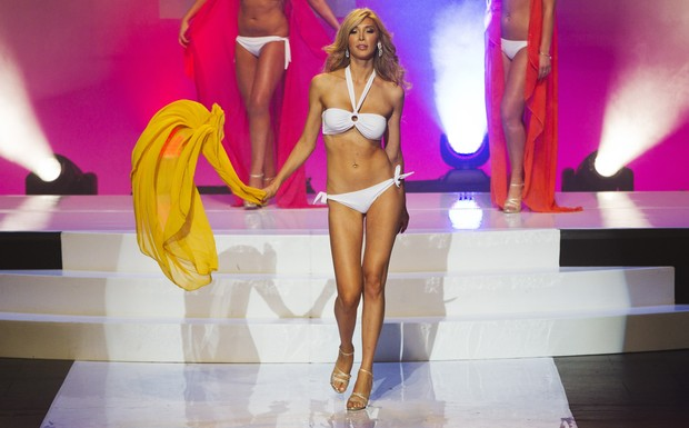 Transexual Jenna Talackova participa do Miss Universo Canadá, em Toronto (Foto: Reuters/ Agência)