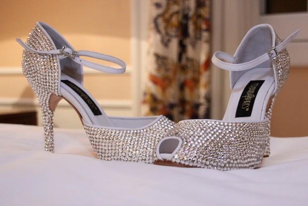 Sapato de Gracyanne Barbosa para seu casamento (Foto: Daniel Pinheiro / R2 / Divulgação)